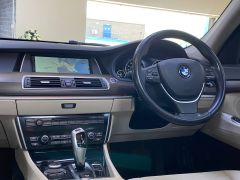 BMW 5 SERIES 530D SE GRAN TURISMO + OYSTER LEATHER + PAN ROOF + BIG SPEC + BUY ONLINE + FREE DELIVERY +  - 1616 - 25