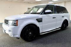LAND ROVER RANGE ROVER SPORT TDV6 HSE + FULL SERVICE HISTORY + 2 KEYS + IMMACULATE +  - 1778 - 6