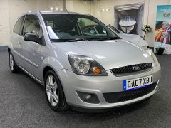 FORD FIESTA ZETEC CLIMATE  + LOW MILES + VERY CLEAN +  - 1500 - 4