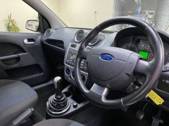 FORD FIESTA ZETEC CLIMATE  + LOW MILES + VERY CLEAN +  - 1500 - 2