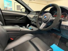 BMW 5 SERIES M5 + NAV + HEAD UP + LEATHER + ELECTRIC ROOF + - 1392 - 32