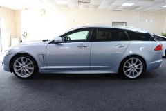 JAGUAR XF D V6 S PREMIUM LUXURY SPORTBRAKE + IMMACULATE + LOW MILES + BIG SPECIFICATION + ALEUTIAN SILVER + - 1714 - 6