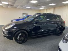 PORSCHE CAYENNE D V8 S TIPTRONIC S +  £21350 WORTH OF EXTRAS + PORSCHE WARRANTY + IMMACULATE +  - 1675 - 8