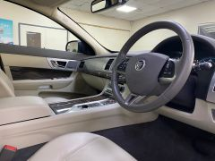JAGUAR XF D V6 PREMIUM LUXURY SPORTBRAKE + CREAM LEATHER + SUNROOF +  - 1590 - 3