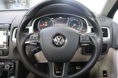 VOLKSWAGEN TOUAREG V6 R-LINE PLUS TDI BLUEMOTION TECHNOLOGY+ 1 OWNER FROM NEW + ST TROPEZ NAPPA LEATHER + IMMACULATE + WHITE LEATHER +  - 1713 - 33
