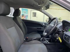 FORD FIESTA ZETEC CLIMATE  + LOW MILES + VERY CLEAN +  - 1500 - 15