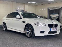 BMW 5 SERIES M5 + NAV + HEAD UP + LEATHER + ELECTRIC ROOF + - 1392 - 1
