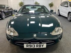 JAGUAR XK8 V8 COUPE 4.0 + 1 PREVIOUS KEEPER + IMMACULATE +  - 1900 - 3