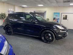 PORSCHE CAYENNE D V8 S TIPTRONIC S +  £21350 WORTH OF EXTRAS + PORSCHE WARRANTY + IMMACULATE +  - 1675 - 12