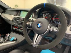 BMW 5 SERIES M5 + NAV + HEAD UP + LEATHER + ELECTRIC ROOF + - 1392 - 3