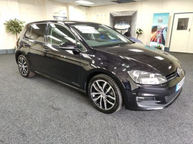 Used VOLKSWAGEN GOLF in Cardiff for sale