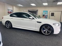 BMW 5 SERIES M5 + NAV + HEAD UP + LEATHER + ELECTRIC ROOF + - 1392 - 11
