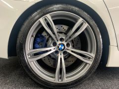 BMW 5 SERIES M5 + NAV + HEAD UP + LEATHER + ELECTRIC ROOF + - 1392 - 18