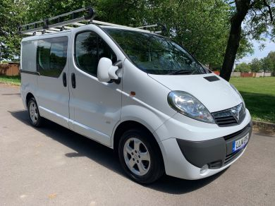Used VAUXHALL VIVARO in Cardiff for sale