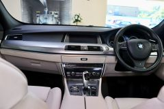 BMW 5 SERIES 520D M SPORT GRAN TURISMO + PANORAMIC GLASS ROOF + IVORY LEATHER +  - 1760 - 19