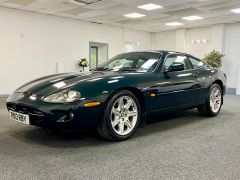 JAGUAR XK8 V8 COUPE 4.0 + 1 PREVIOUS KEEPER + IMMACULATE +  - 1900 - 5