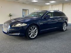 JAGUAR XF D V6 PREMIUM LUXURY SPORTBRAKE + CREAM LEATHER + SUNROOF +  - 1590 - 6