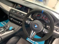 BMW 5 SERIES M5 + NAV + HEAD UP + LEATHER + ELECTRIC ROOF + - 1392 - 33