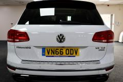 VOLKSWAGEN TOUAREG V6 R-LINE PLUS TDI BLUEMOTION TECHNOLOGY+ 1 OWNER FROM NEW + ST TROPEZ NAPPA LEATHER + IMMACULATE + WHITE LEATHER +  - 1713 - 8