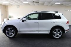 VOLKSWAGEN TOUAREG V6 R-LINE PLUS TDI BLUEMOTION TECHNOLOGY+ 1 OWNER FROM NEW + ST TROPEZ NAPPA LEATHER + IMMACULATE + WHITE LEATHER +  - 1713 - 6