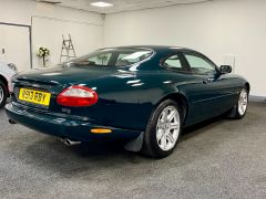 JAGUAR XK8 V8 COUPE 4.0 + 1 PREVIOUS KEEPER + IMMACULATE +  - 1900 - 11