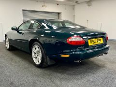 JAGUAR XK8 V8 COUPE 4.0 + 1 PREVIOUS KEEPER + IMMACULATE +  - 1900 - 7