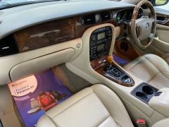 JAGUAR XJ V6 SE + CREAM LEATHER + FULL SERVICE HISTORY + IMMACULATE +  - 1531 - 22