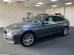 BMW 5 SERIES 530D SE GRAN TURISMO + OYSTER LEATHER + PAN ROOF + BIG SPEC + BUY ONLINE + FREE DELIVERY +  - 1616 - 6